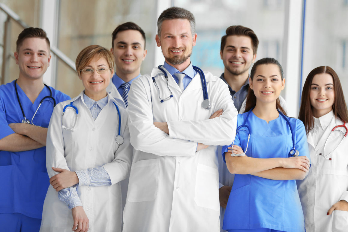 Medycyna pracy dla firm i osób indywidualnych | Badania pracowników biurowych, fizycznych oraz kierowców w ECM LIFECLINICA